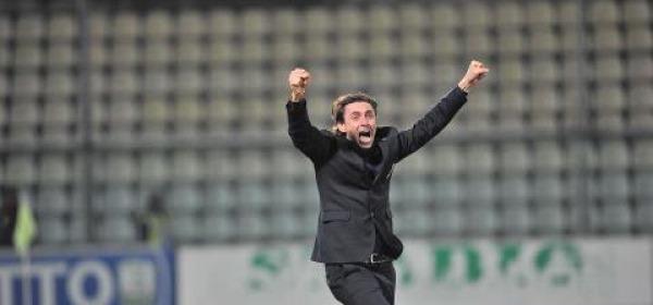 Gautieri festante dopo gol del pari a Modena