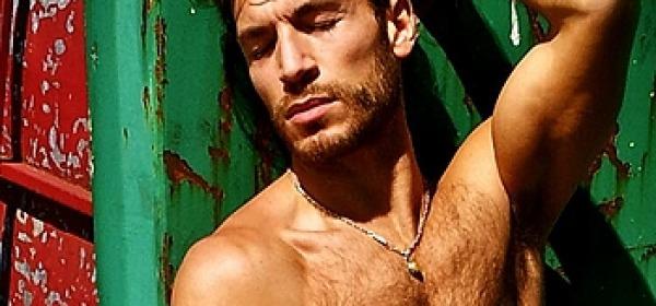 Valerio Pino nudo