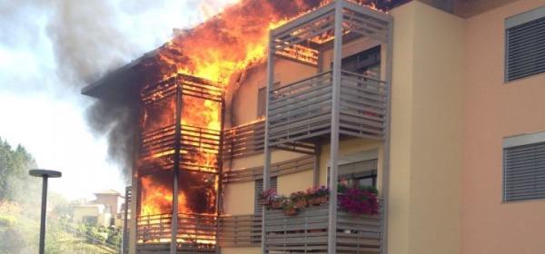 In fiamme alloggi del Progetto Case di Pagliare di Sassa