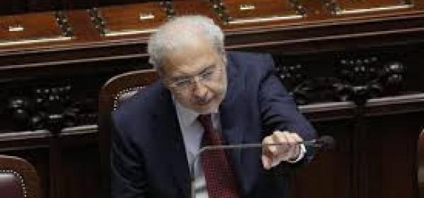 Il ministro Carlo Trigilia