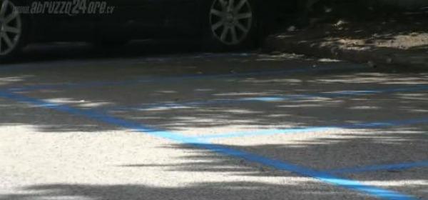 Le strisce blu in centro