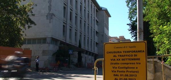 Il palazzo dell'ANAS prima della demolizione