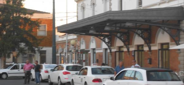 I taxi in sosta presso la stazione di Chieti