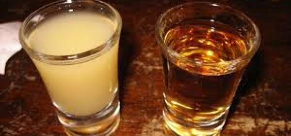 Cicchetto di rum e pera