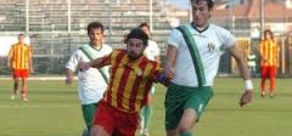 Francesco Morga con la maglia del Giulianova