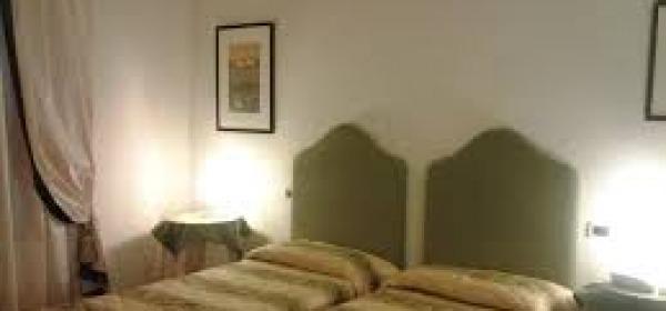 Stangata Tares sugli alberghi