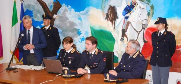 Conferenza stampa questura L'Aquila