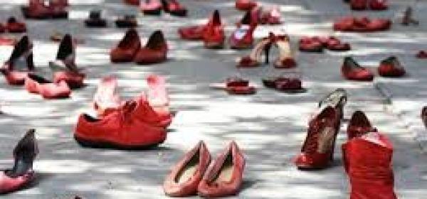 protesta scarpe rosse