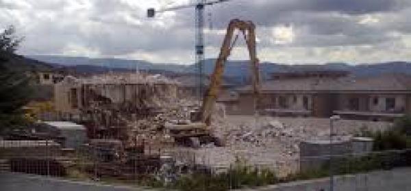 Cantiere edile della ricostruzione