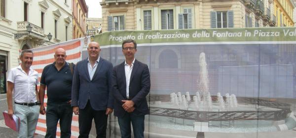 L'inaugurazione del cantiere della fontana in piazza Valignani