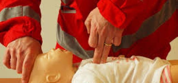 Corso di manovre salvavita della Croce Rossa
