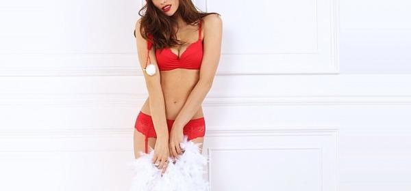 Dayane Mello Sexy Babbo Natale