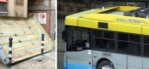 Taranto, bus perde la tettoia (Foto Studio Ingenito)