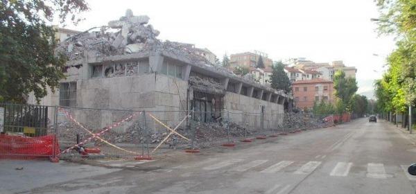demolizione palazzo anas