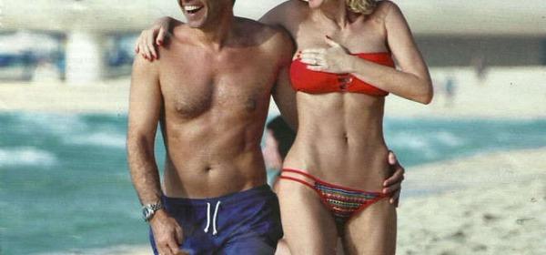 Alessia Marcuzzi col marito Paolo Calabresi a Dubai (Chi)