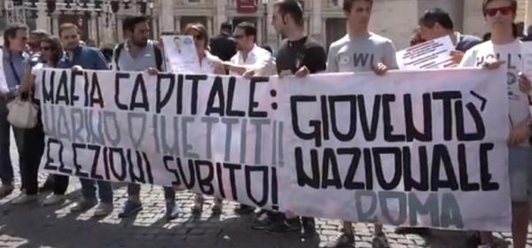 """Protesta in Campidoglio per """"Mafia Capitale"""""""
