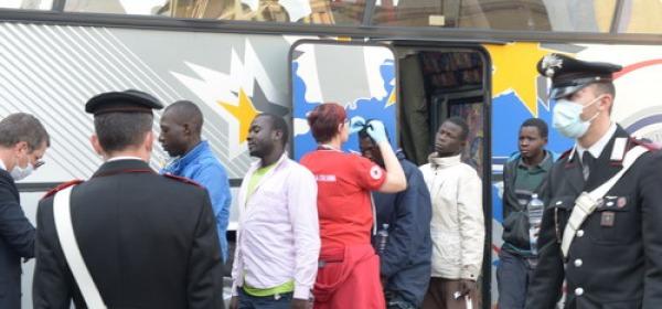 migranti a Schiavi d'Abruzzo