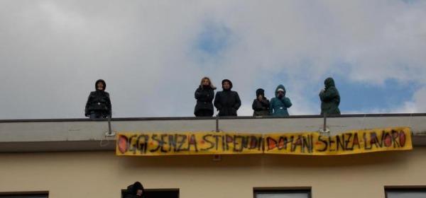 protesta lavoratori Cotir-foto da ansa