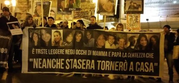 manifestazione ricordo sisma 2009