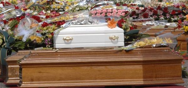 L'Aquila, funerali sisma 2009