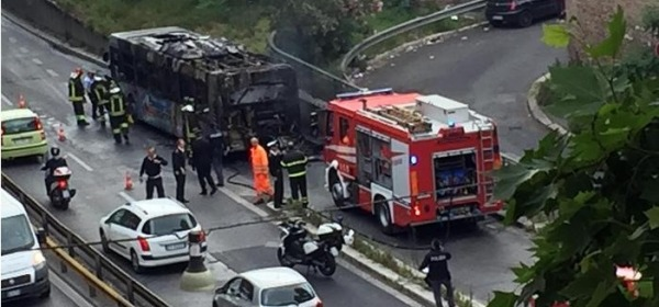 Bus In Fiamme a Roma