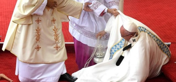 La caduta di Papa Francesco