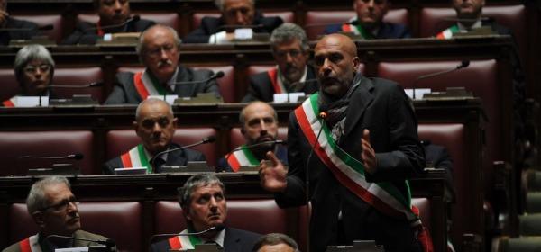 il sindaco di Amatrice Sergio Pirozzi nell'Aula della Camera
