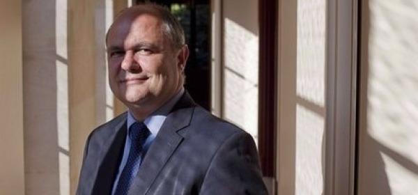 Francia, Le Roux nuovo ministro Interno