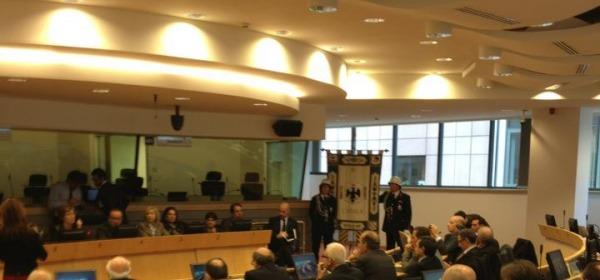 La seduta del Consiglio comunale a Bruxelles