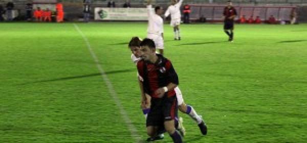 Il centrocampista rossoblù Nicola Campinoti