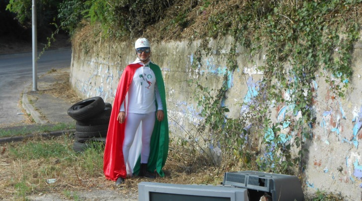 Italy Man in discarica