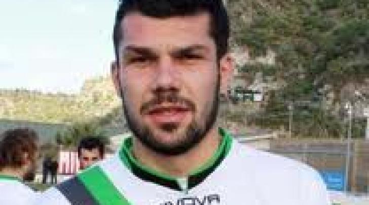 Giuseppe Lacarra in maglia neroverde nella stagione 2011/12