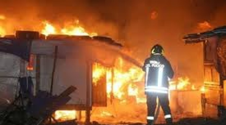 Incendio deposito giudiziario-foto repertorio