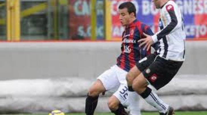 Federico Casarini con la maglia del Bologna