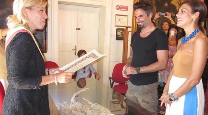 Matrimonio casual a Monopoli per Bianca Guaccero e Dario ...