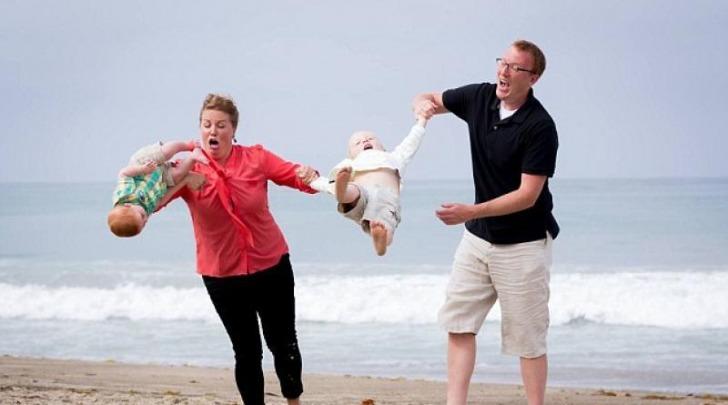 Bambino sfugge alla madre