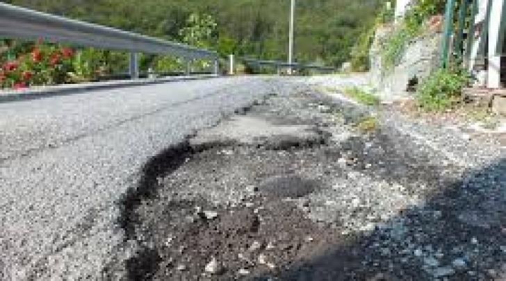 Un tratto della strada tra Casagreca e Cortino