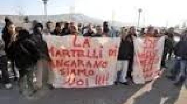 Manifestazione lavoratori Martelli