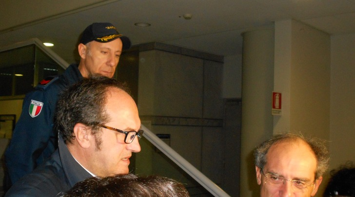 Luigi De Fanis appena fuori dall'aula