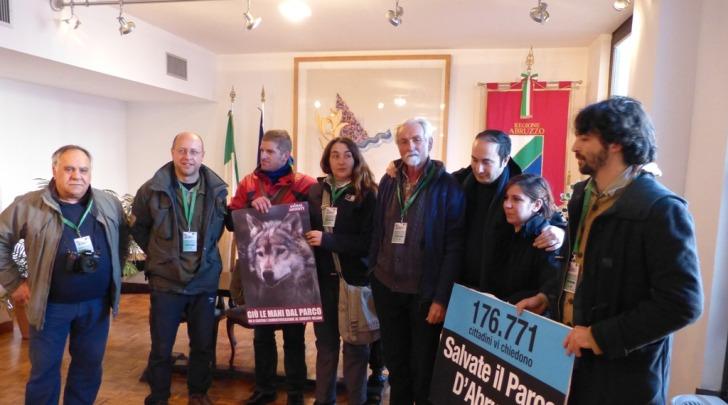 presentazione petizione anti riperimetrazioneParco