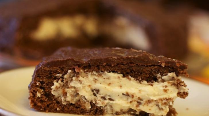 Torta al cioccolato ripiena di ricotta