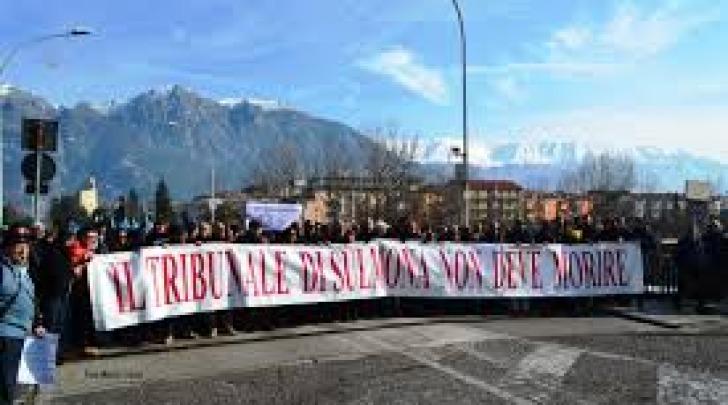 Manifestazione per tribunale Sulmona