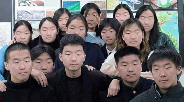 cinesi in fila