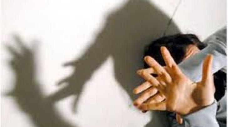 Violenza di gruppo su una minorenne