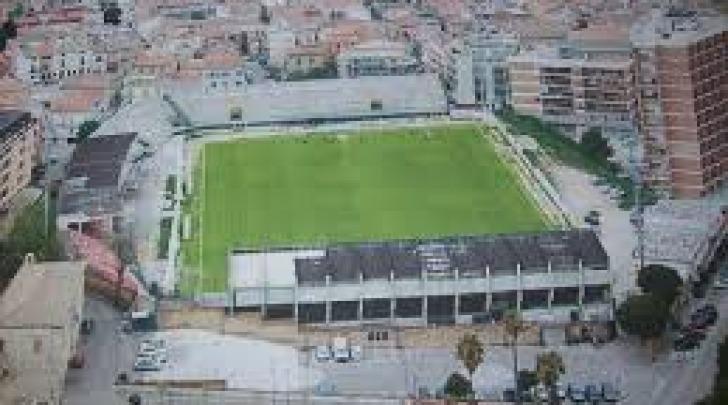 """Lo stadio """"Aragona"""" di Vasto"""