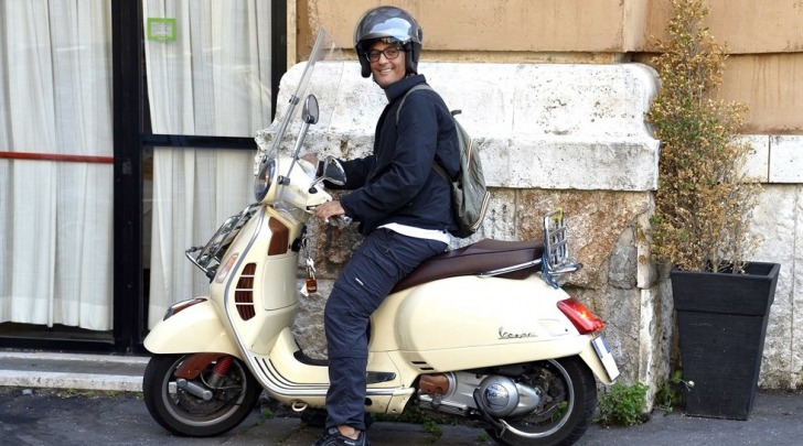 Fiorello sullo scooter prima dell'incidente