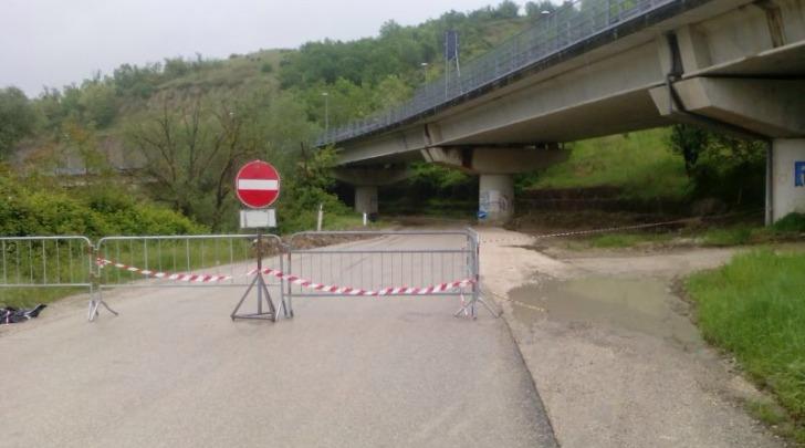 Contrada Carapollo strada bloccata