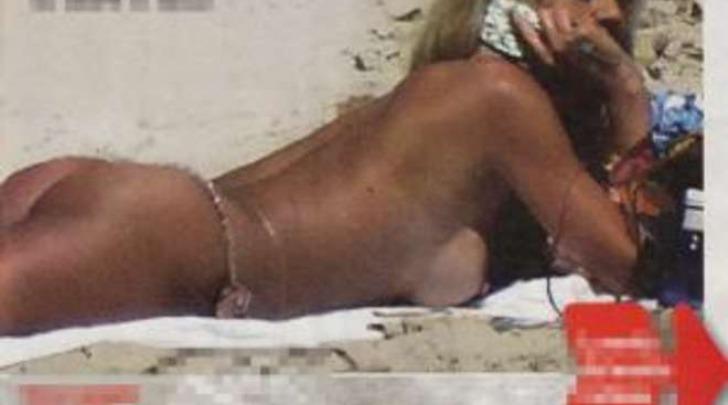 Valeria Marini topless Formentera