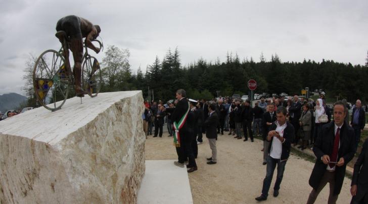 innaugurazione monumento taccone