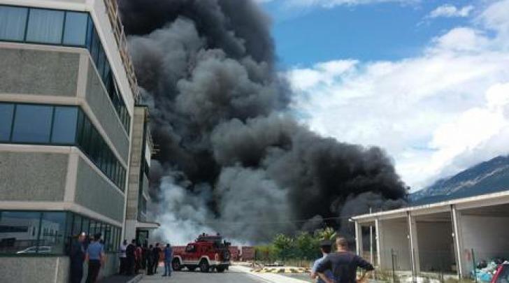 Incendio dell'Adria (foto Ansa)